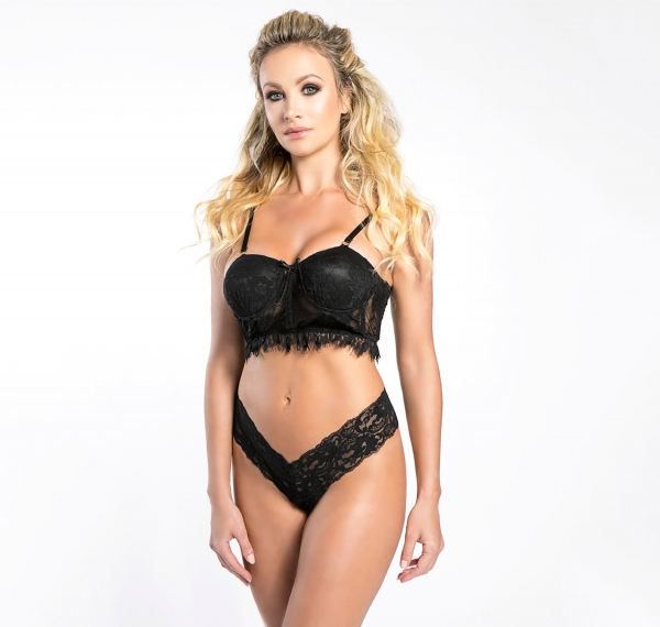 mademoiselle_mademoiselle_push_up_bra_black_bra_embroideries_madamemethven_front